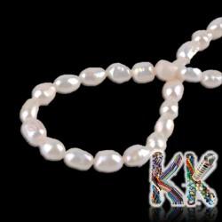 Přírodní perly - ∅ 7-8 x 13-14 mm - oválky