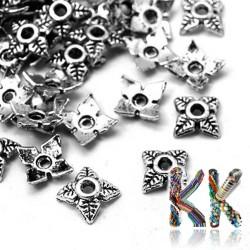 Kaplík z tibetského stříbra - lístečky - 6 x 6 x 2 mm