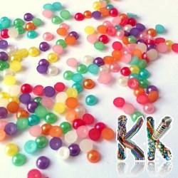 Akrylové kabošony perleťové - ∅ 4 mm