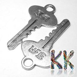 Přívěsek klíč s monogramem - 20 x 39 x 1 mm