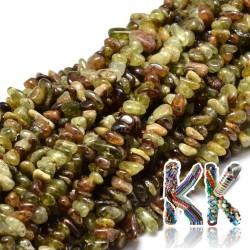 Přírodní zelený granát - zlomky - 5-14 x 4-10 mm - 5 g